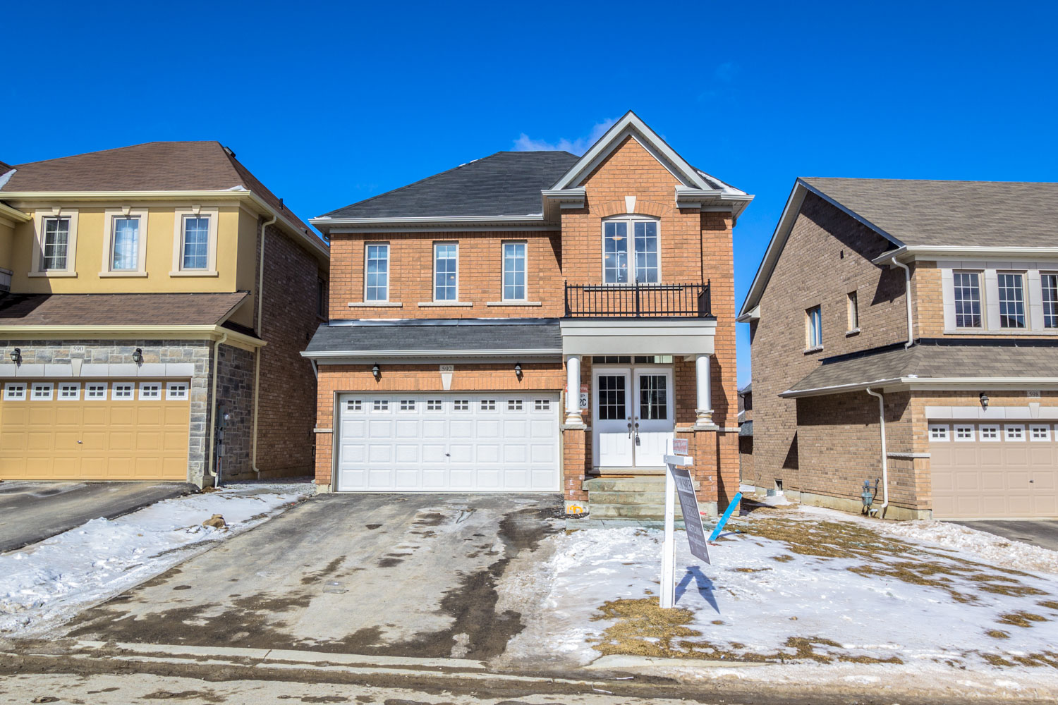592 Clifford Perry Place, Newmarket