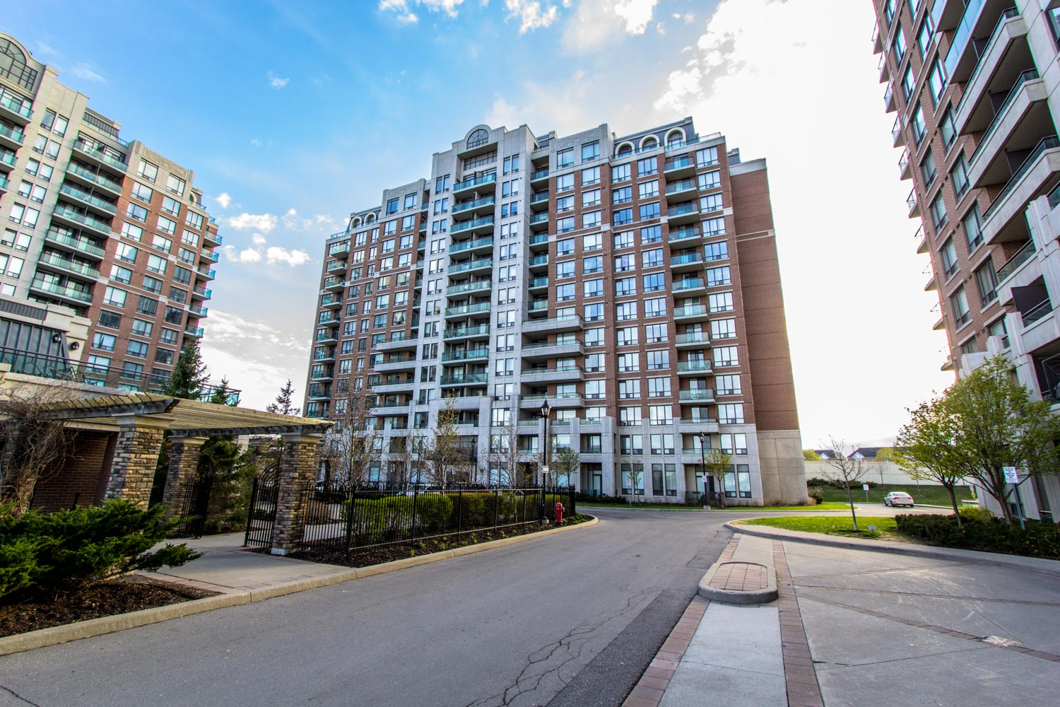 330 Red Maple Road #211, Richmond Hill